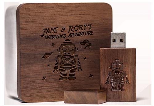 robot-flash-drive-wood